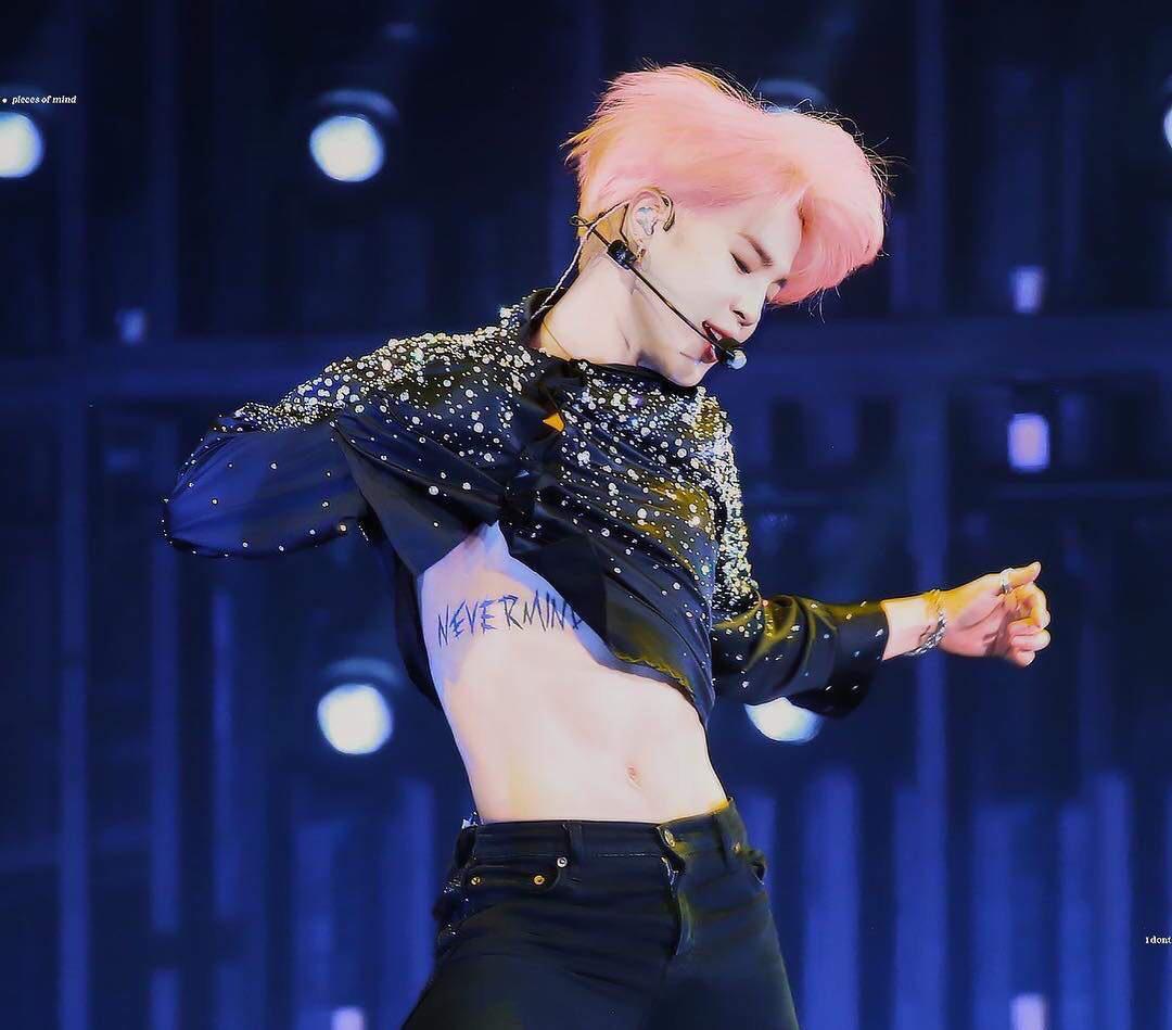 Jimin (BTS) khiến PT muốn bỏ việc, fan girl 'choảng nhau' không tiếc váy vì body 'nhức nách' 3