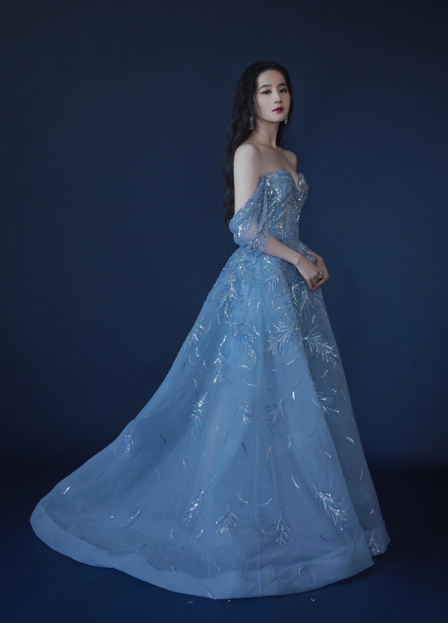20 ngọc nữ Cbiz đọ sắc cực căng với váy đính 'sương sa hột lựu': Lệ Dĩnh, Nhiệt Ba kinh diễm, trùm cuối nghẹt thở 8