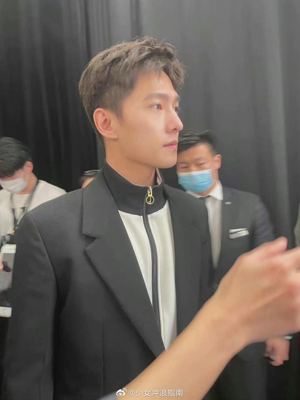 Tin nóng Cbiz ngày 26/9: Phốt giật vai, Lệ Dĩnh khiến fan xót xa, Cung Tuấn có tin vui, Dương Dương dự sự kiện, phim 'bay màu' 3