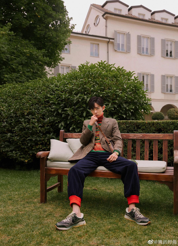 Blogger thời trang 'trừ âm điểm' ăn mặc của sao Cbiz: Dương Mịch, Nhiệt Ba, Tiêu Chiếm nhìn chỉ muốn phong sát! 6