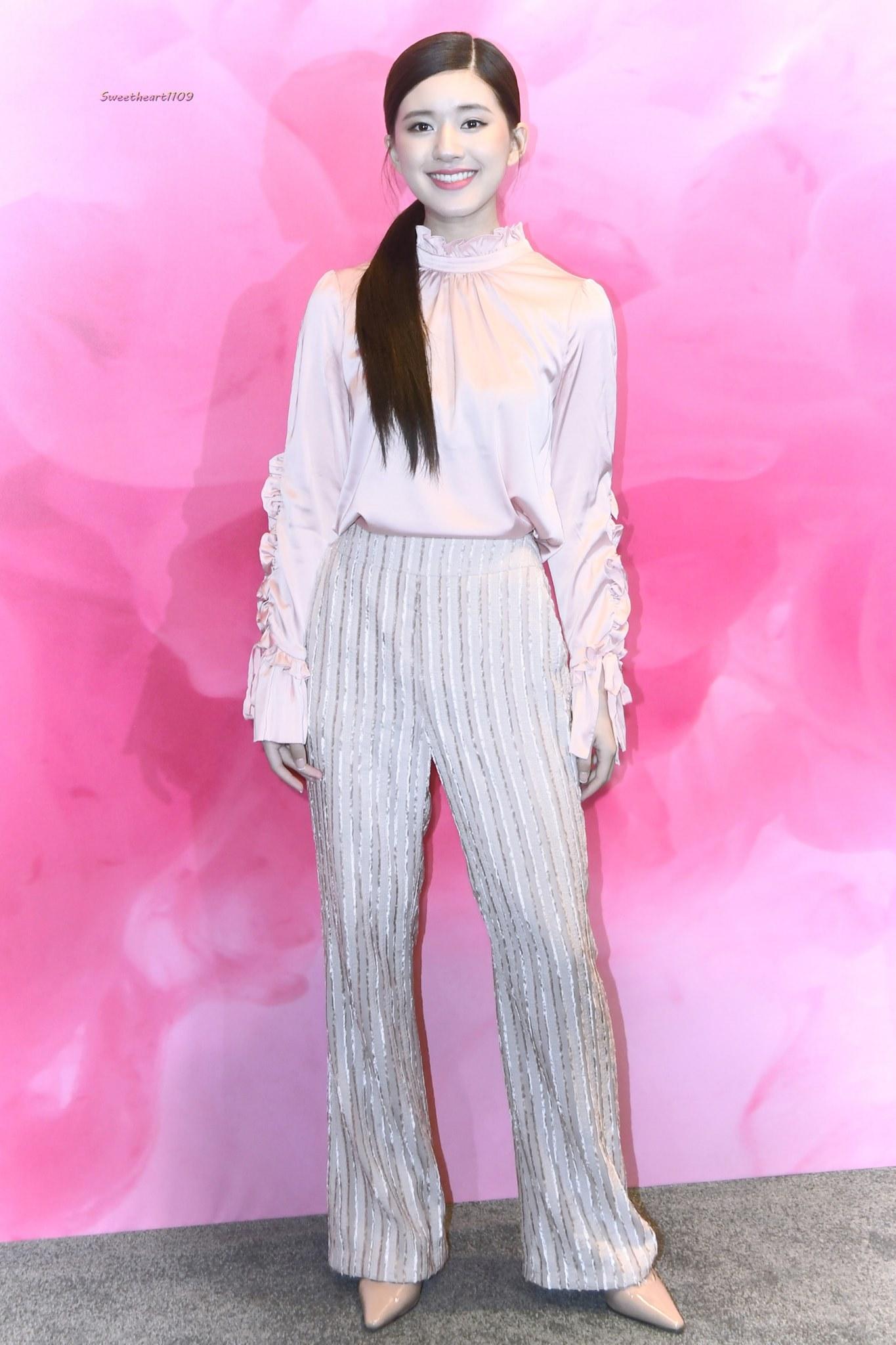 Blogger thời trang 'trừ âm điểm' ăn mặc của sao Cbiz: Dương Mịch, Nhiệt Ba, Tiêu Chiếm nhìn chỉ muốn phong sát! 11