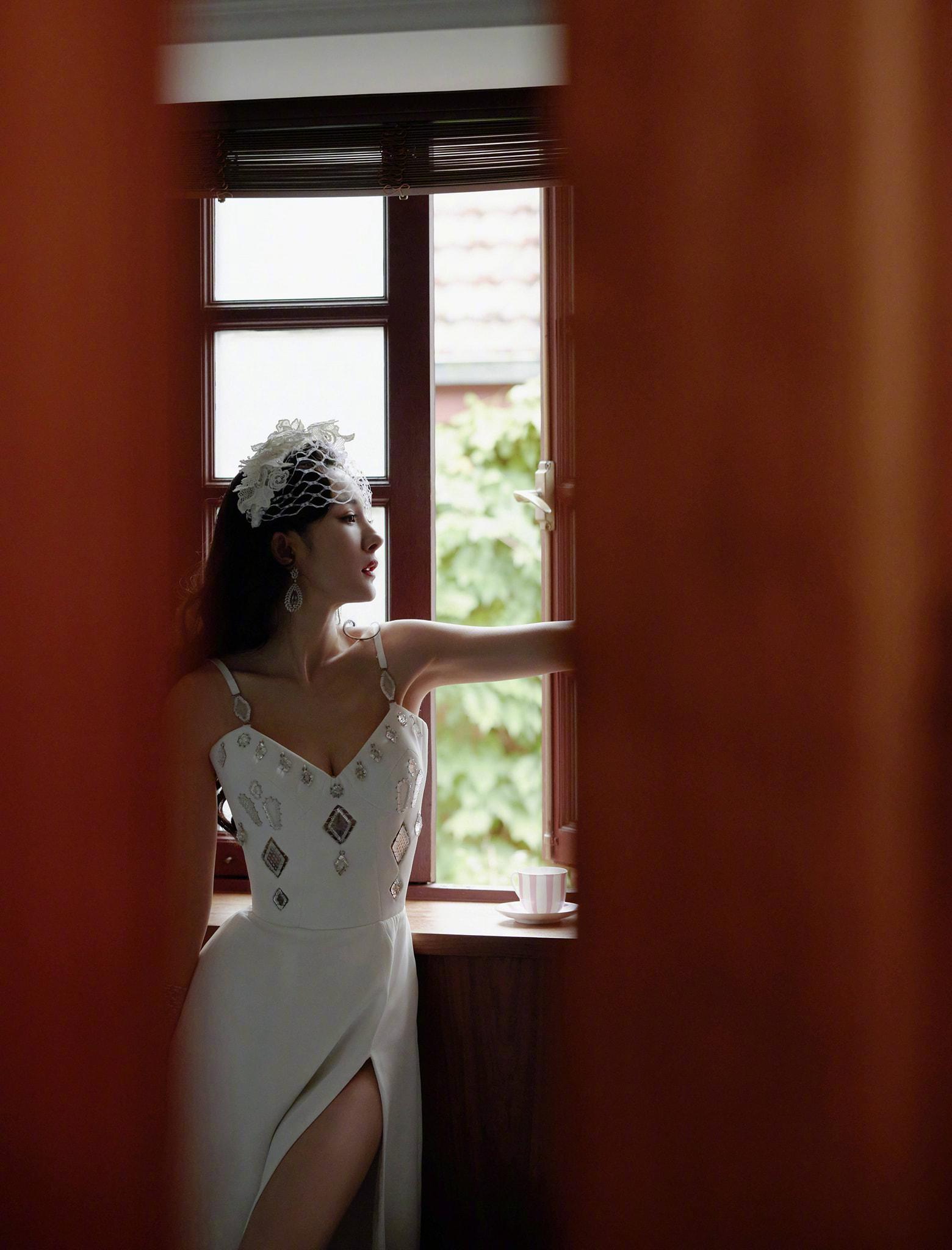 Phong cách thời trang ngày càng 'dạn' của Dương Mịch 5